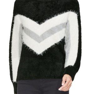 VINCE CAMUTO | Fuzzy Chevron Sweater Black White